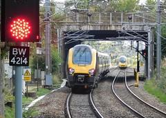 Cross Country meets Virgin (The Walsall Spotter) Tags: crosscountrytrains class221supervoyager galtonjunction smethwickgaltonbridgestation class390 virginpendolino