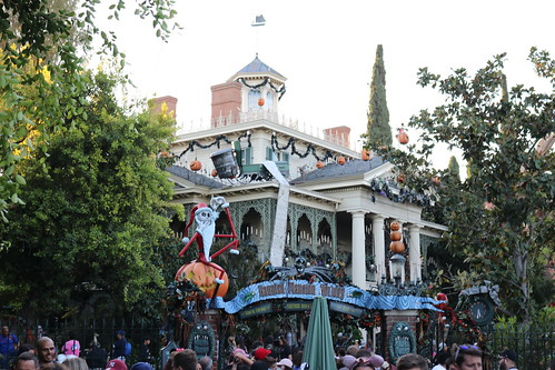 "Haunted Mansion Holiday • <a style=""font-size:0.8em;"" href=""http://www.flickr.com/photos/28558260@N04/31103414857/"" target=""_blank"">View on Flickr</a>"