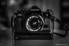 Canon A1 - Canon FD 24mm f : 2.8 (pierrehervet) Tags: canon a1 fd 24mm f28 argentique appareil photo rétro ancien 35mm bokeh black white noir et blanc bw nb nikkor 14 50mm nikon d3200