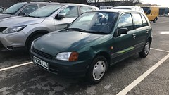 Starlet Sportif (Sam Tait) Tags: toyota starlet small car retro rare 1300 13 75bhp green petrol 5 door hatchback