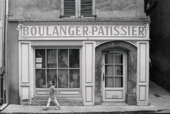 Boulangerie (pascal0678) Tags: nikonf100 ilfordhp5 analogue film