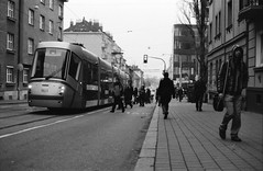 Tram stop - Brno (Daz-cz) Tags: pentaxme fomadonr09 fomapan400 canoscan9000f streetphoto street analogue analog 35mm film filmphoto brno