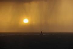 grain sur le phare de la Vieille (mimu_13) Tags: bretagne cledencapsizun europe finistere france pointeduvan architecture coucherdesoleil fyr lighthouse mer paysage phare samsungnx nx500