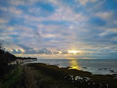 Sunrise over the Bay (@bill_11) Tags: england isleofthanet kent places pegwellbay sunrise unitedkingdom weatherandseasons ramsgate gb