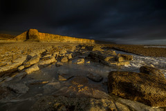 """ FIRST OUTING AT THE COAST WITH THE NEW 5DS R"" (Wiffsmiff23) Tags: glamorganheritagecoastline nashpoint nashpointlighthouse traeth beach dramatic drama epic golden light"