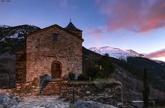 Sant Vicenç de Capdella (sostingut) Tags: iglesia románico pirineos montaña atardecer pueblo edificio piedra roca luz nube colores otoño arte d750 nikon tamron haida bosque árbol cordillera valle paisaje arquitectura