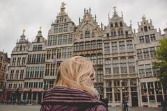 Bélgica (Andrea García Louzao) Tags: travel trip viaje arquitectura arquitecture portrait retrato woman mujer outdoors exterior urban urbano ciudad city brussels bruselas belgica houses casas light mood