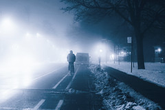le croisement (photosgabrielle) Tags: photosgabrielle fog brouillard montreal bike velo snow winter hiver mist