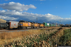 November Light (jamesbelmont) Tags: unionpacific ge container stack intermodal ilag1 saltlakecity utah northyard railway