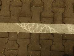 whirl (& no pool) (mkorsakov) Tags: hamm hbf bahnhof mainstation gleis platform linie line wirbel whirl grau grey minimal