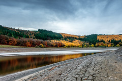 Ladybower at her lowest. (emmadavidso) Tags: ladybower reservoir drought autumnglory autumn 2018 reflections cracking