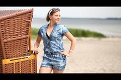 * (Henrik ohne d) Tags: eos5dmk2 ef85mmf18 june2018 portrait juli beach beachchair beachwear ocean shore shoreline baltic balticsea sun summer flirty