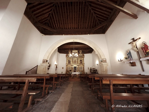 "Interior de la ermita de San Roque • <a style=""font-size:0.8em;"" href=""http://www.flickr.com/photos/158523641@N04/45289346984/"" target=""_blank"">View on Flickr</a>"