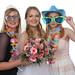 Braut mit Gästen