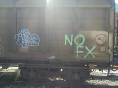 147 (en-ri) Tags: nofx crew verde arrow azzurro lilla train torino graffiti writing treno merci freight