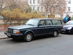 Volvo 240 Kombi (ulrich dresden) Tags: volvo estate kombi classic elch brick berlin deutschland germany