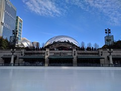 Ice (ancientlives) Tags: chicago illinois il usa millenniumpark cloudgate thebean icerink iceskating chicagoparks walking travel trips saturday november 2018 autumn bluesky sunshine freezing cold weather downtown loop michiganavenue
