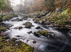 Misty Autumn Leap (Stoates-Findhorn) Tags: 2018 autumn scotland moray river mist randolphsleap leaves findhorn forres unitedkingdom gb