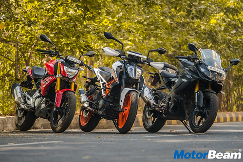 BMW-G-310-R-vs-KTM-Duke-390-17