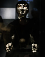 Im reconstructing statuette (PChamaeleoMH) Tags: assyrian britishmuseum exhibition london museum