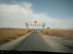 Carretera transdesértica Niya - cuenca del Tarim. Desierto de Taklamakán. China (escandio) Tags: carretera transdesertica taklamakan china2018 china 2018 xinkian