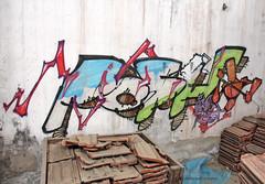 StreetArt_054 (Ragnarok31) Tags: streetart street art urban tag tags graff graffs graffiti graffitis graffitti graffittis peinture peintures dessins dessin