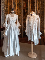 Paper costumes (Carol Spurway) Tags: 2018 nt blickling dress table lady christmas outfit lace georgian blicklinghall costume suit diningroom woman man art artwork dining paper norfolk nationaltrust