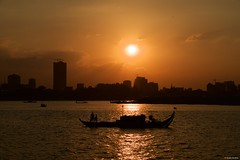 IMGP0467 Sunset from the river (Claudio e Lucia Images around the world) Tags: mekongriver phnompenh cambodia sunset goldenhour silhouette river water cityscape sunnyday sun sky redsky pentax pentaxkp pentax18135 pentaxlens pentaxart asia happyplanet asiafavorites