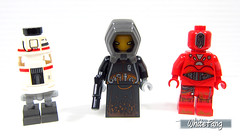 The other droids which are included in this set (WhiteFang (Eurobricks)) Tags: lego star wars han solo story movie blockbuster spinoff gang outer rims tobias enfy nest high speed chase millennium falcon mf lando bet parsec crew ship corellian