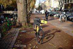 abandoned (Amselchen) Tags: bokeh blur dof depthoffield bike bicycle street kö düsseldorf germany canon sony sonyilce7rm2 ef50mmf14usm