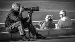 Photographer in Nice, France 20/10 2018. (photoola) Tags: nice street fotograf sv photographer france photoola monochrome blackandwhite camera