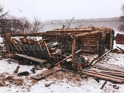 Ручной Демонтаж деревянного сарая 70м2 в Минской области, деревня Прудянская Слобода. Работа выполнена за 9 часов