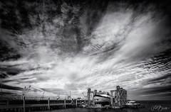 Den Oever (fredbervoets.com) Tags: vissershaven scheepsreparatie scheepsdok repareren dok visserij onderhoud noordholland landschap kade hollandskroon haven droogdok dendolder
