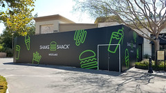 Retail, Shake Shack, Barricade