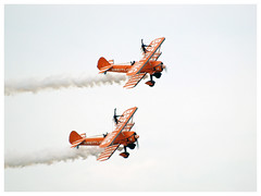 Breitling Wingwalkers 2017 (Aerofossile2012) Tags: breitling wingwalkers 2017 femme woman avion aircraft aviation airshow meeting ba102 dijon longvic boeing stearman