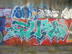 678 (en-ri) Tags: tuzo over time verde acqua rosso bianco arrow wine hecke 18 2018 andrea ruas anita lilla torino wall muro graffiti writing
