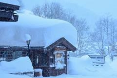 Dienten im Winter (gregor_f.) Tags: dienten winter snow schnee tief hochkönig skiing ski pinzgau saalfelden hinterthal skiamade atomic fischer sportklaus prossers dorfstadl blizzard schneesturm