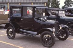 1924 Ford Model T  Tudor Sedan (carphoto) Tags: 1924fordmodelttudorsedan2 door coachford oakville 1984© richard spiegelman carphoto