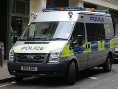 BX13 DND (Ben - NorthEast Photographer) Tags: metropolitan police ford transit airport heathrow gatwick plane transport airline air armed response vehicle arv firearms trafalgar sq square station 13plate bx13 dnd bx13dnd