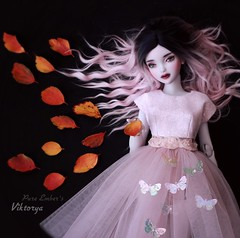 Fish 🐠 (pure_embers) Tags: pure embers bjd msd 14 doll dolls uk youpladolls vana youpla girl viktorya pureembers embersviktorya photography photo ball joint white purple resin portrait dark ombre hair fantasy magical autumn leaves fish ghostly pink