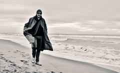 Mare d'inverno (ioriogiovanni10) Tags: freddo mare mer biancoenero monocromatico blackandwhite photographer homme io je fotografo fregene