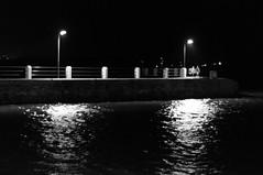 au bout de la jetée (focalouest) Tags: enfants children noirblanc port sea