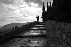 Μονή Οσίου Λουκά - Hosios Loukas (Eleanna Kounoupa) Tags: ελλάδα βοιωτία μονήοσίουλουκά μοναστήρια αρχιτεκτονική μεσοβυζαντινήτέχνη greece hosiosloukas monastery architecture boeotia στερεάελλάδα μαυρόασπρεσ bw blackwhitephotos blackandwhite silhouettes σιλουέτεσ άνθρωποι people