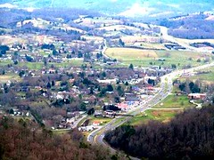Middlesbourogh, KY from Pinnacle Point (AWJ-photography) Tags: awjphotography cumberlandgap cumberlandgapnationalhistoricpark cumberlandgaptennessee danielboone hiking middlesborokentucky pinnacle tennessee tristatepeaks virginia wildernessroad wildernessroadstatepark