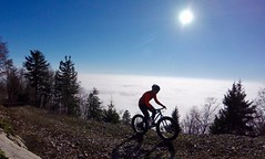 Shortly After Getting Out Of The Fog (29in.CH) Tags: fall autumn fatbike ride 15112018 blue sky sun climb fog