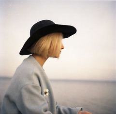 img010 (Leon-ars) Tags: portrait girl beauty film mediumformat 120film 6x6 yashica autumn portra kodak analog color