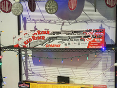 red ryder carbine bb gun (timp37) Tags: christmas story december 2018 red ryder bb gun indiana welcome center daisy