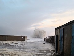 IMG_20190127_160858 (LezFoto) Tags: wavesbreaking southbreakwaterpier aberdeenharbour aberdeen scotland unitedkingdom huawei huaweimate10pro mate10pro mobile cellphone cell blal09 huaweiwithleica leicalenses mobilephotography duallens northsea waves spray