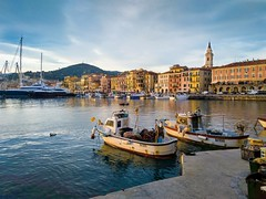 Calata Cuneo (alex.83g) Tags: calatacuneo imperia nokia liguria mare barche porto nokia7plus boats sea oneglia acqua pescherecci fishingboats
