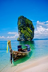2019-01-17_03-54-35 (mrbuluriliu) Tags: aperture apsc bangkok beach fuji fujifilm raw seas shore thai thailand travel trip x100
